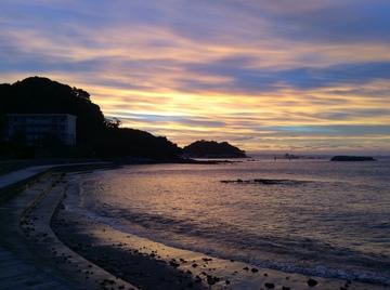 夕陽と海.JPG